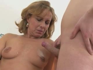 hot mom mom pretty
