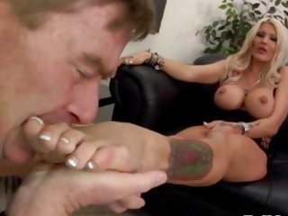 bitch femdom toes